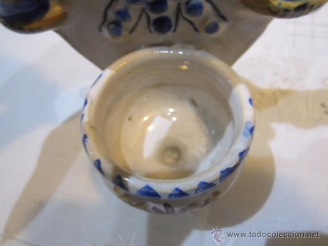Antigüedades: Benditera de cerámica con marca en la base. 11,5 x 20,5 cms. - Foto 3 - 50543408