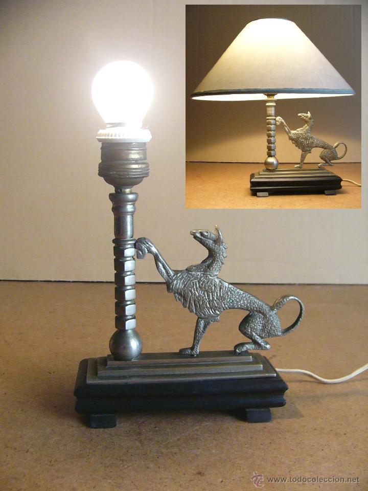 LAMPARA ART DECO DE SOBREMESA MESITA DE NOCHE O ESCRITORIO CON FIGURA DE DRAGON (Antigüedades - Iluminación - Lámparas Antiguas)