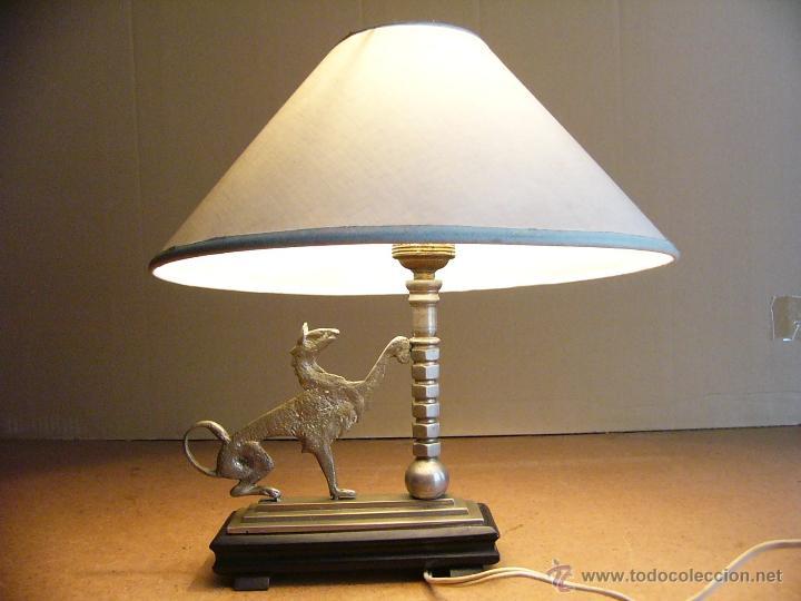 Antigüedades: Lampara Art Deco de sobremesa mesita de noche o escritorio con figura de dragon - Foto 7 - 50546187