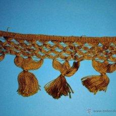 Antigüedades: FLECO ANTIGUO DE SEDA DORADO OSCURO. Lote 97790206