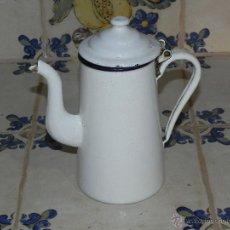 Antigüedades: ANTIGUA CAFETERA DE PORCELANA ESMALTADA. . Lote 50562400