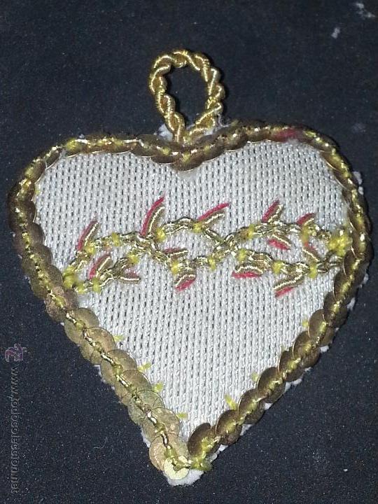 Antigüedades: escapulario bordado para virgen o niño jesus, corazon de jesus, bordado oro seda y tisu , lentejuela - Foto 3 - 50626822