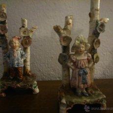 Antigüedades: * ANTIGUA PAREJA DE PORCELANA MAJOLICA DE 17CM DE ALTURA (REF.B). Lote 115287162