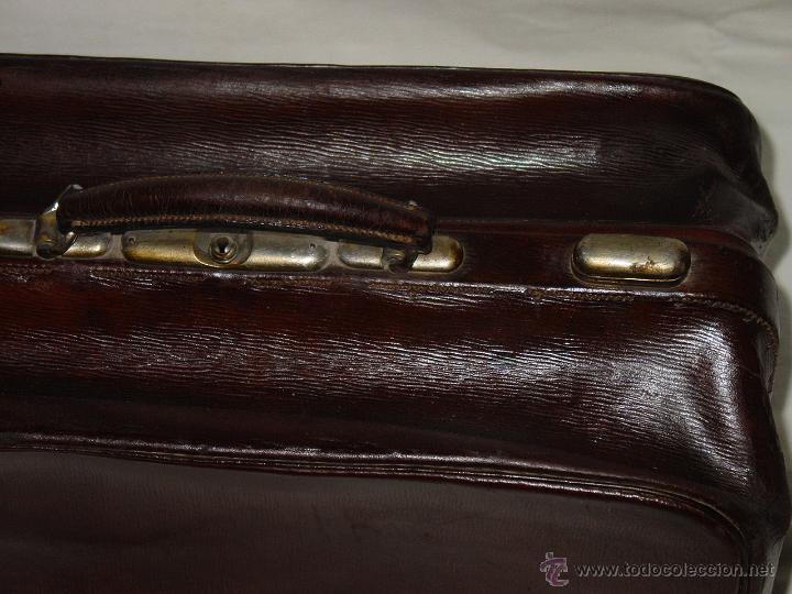 Antigüedades: MALETA O MALETÍN ANTIGUO DE PIEL O CUERO GRUESO. APERTURA 180 GRADOS. PRINCIPIOS 1900 - Foto 3 - 50664335