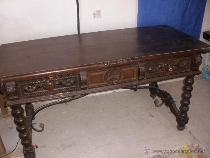 Antigua mesa de madera noble tallada estilo esp comprar for Mesas antiguas de madera