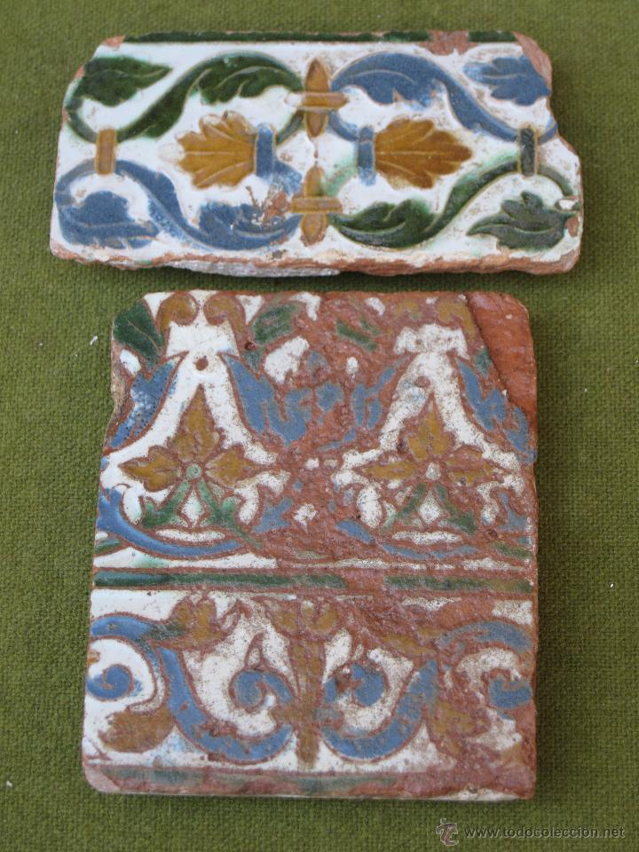 Lote de dos azulejos antiguos de toledo arist comprar for Azulejos antiguos sevilla