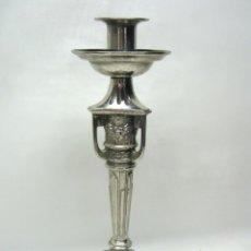 Antigüedades: SIGLO XIX - ESPECATCULAR CANDELABRO 34 CM BAÑO DE PLATA. Lote 50691425