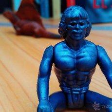 Figuras Masters del Universo: HEMAN RARÍSIMO MOTU MASTERS DEL UNIVERSO KNOCKOFF KO BOOTLEG VIOLETA AZULADO. Lote 50713990
