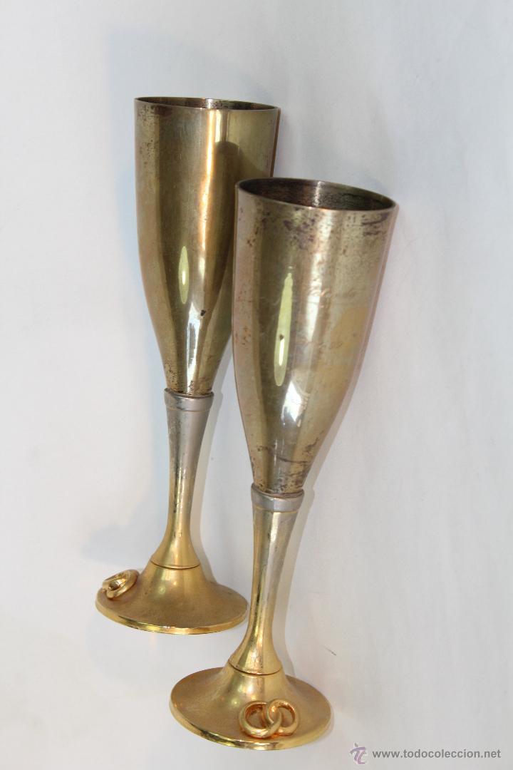 2 COPAS EN METAL PLATEADO GRABADAS (Antigüedades - Hogar y Decoración - Otros)