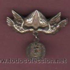 Antigüedades: MEDALLA CON AGUJA - COLGANTE - REGINA DE LOS ANGELES . Lote 50751737