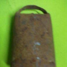 Antigüedades: CENCERRO HIERRO BADAJO MADERA. Lote 50790168