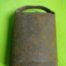 Antigüedades: CENCERRO HIERRO BADAJO MADERA. Lote 50790243