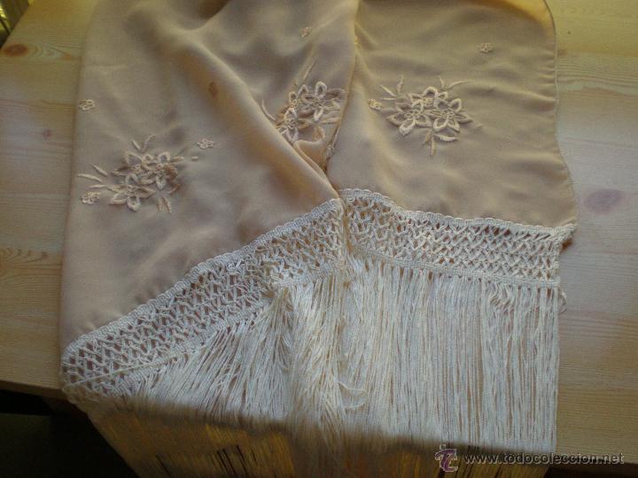 CHAL DE CRESPON BEIG BORDADO A MAQUINA (Antigüedades - Moda y Complementos - Mujer)