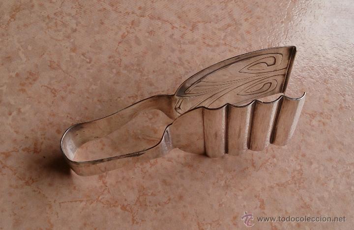 Antigüedades: Pinzas antiguas para dulces en metal chapadas en plata de ley contrastada ( Art Nouveau ) . - Foto 4 - 50905206