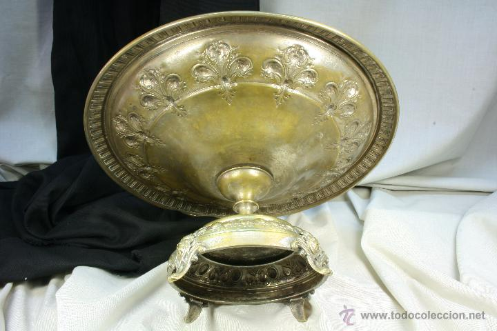 Antigüedades: Centro de mesa. Latón. Frutero. Art Nouveau. - Foto 3 - 50918357