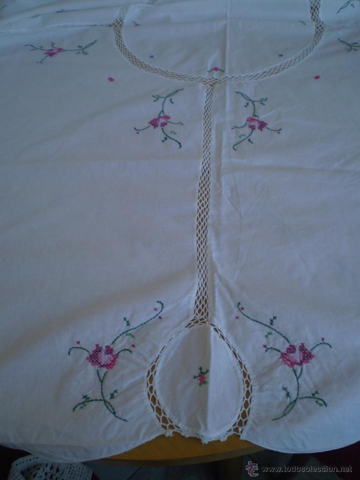 mantel en tela de algodon con bordados a punto - Comprar Manteles ...