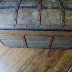 Antigüedades: BAÚL ANTIGUO DE MADERA Y HIERRO S.XIX-XX. Lote 50950624