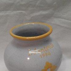 Antigüedades: JARRON DE CERAMICA DE TALAVERA N°44 - CON GRABADO INFANTERIA 1984 . Lote 50987290