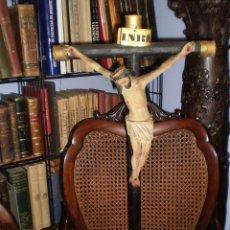 Antigüedades: TALLA CRISTO EN MADERA CON CRUZ. Lote 50989481