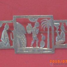Antigüedades: ANTIGUO BROCHE MOTIVOS MAYAS MÉXICO EN PLATA MEXICANA - VER FOTOS ADJUNTAS. Lote 51004371