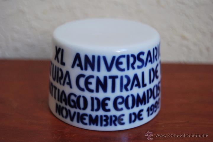 FIGURA DE SARGADELOS - PEANA - XL ANIVERSARIO JEFATURA CENTRAL TRÁFICO SANTIAGO DE COMPOSTELA - 1999 (Antigüedades - Porcelanas y Cerámicas - Sargadelos)