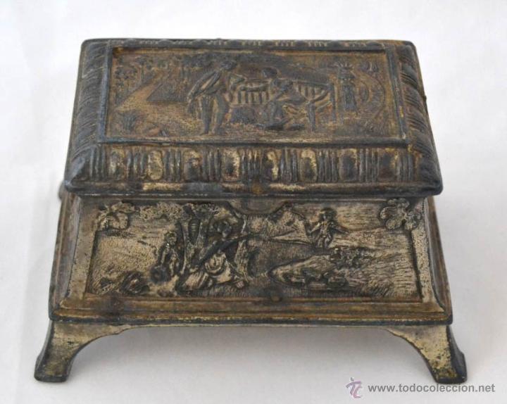 Antigüedades: ANTIGUA CAJA JOYERO EN CALAMINA CON RELIEVES - Foto 3 - 51030752