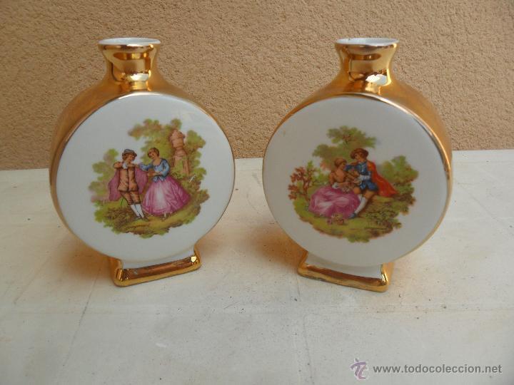 DOS PERFUMERAS DE PORCELANA JANDO, CON ESCENA DE FRAGONARD (Antigüedades - Porcelanas y Cerámicas - Otras)