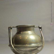 Antigüedades: PEQUEÑO RECIPIENTE CON PATAS Y ASA, EN PLATA DE LEY, 8CM SIN CONTAR EL ASA. Lote 51054111