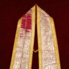 Antigüedades: MANIPULO CON BORDES RIBETEADOS E INTERIOR EN ROPA DE SEDA. Lote 51058096