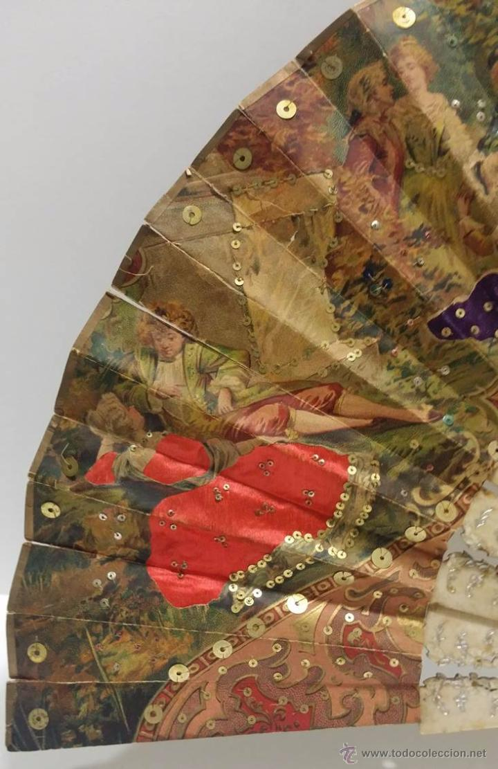 Antigüedades: ANTIGUO ABANICO TALLADO EN HUESO PAIS DE PAPEL BORDADO EN SEDA EN RELIEVE - SIGLO XIX - Foto 2 - 51066599