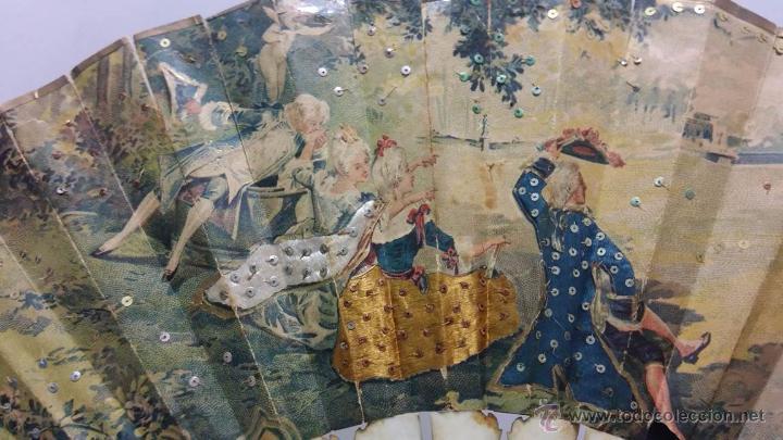 Antigüedades: ANTIGUO ABANICO TALLADO EN HUESO PAIS DE PAPEL BORDADO EN SEDA EN RELIEVE - SIGLO XIX - Foto 3 - 51066599