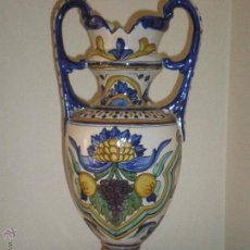 Antigüedades: GRAN JARRON DE CERAMICA ESPAÑOLA,PINTADO A MANO,FINALES S.XIX. Lote 51083136