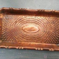 Antigüedades: ANTIGUA BANDEJA DE APERITIVOS CENTRO DE MESA EN COBRE 20 CM X 11 . Lote 51088584