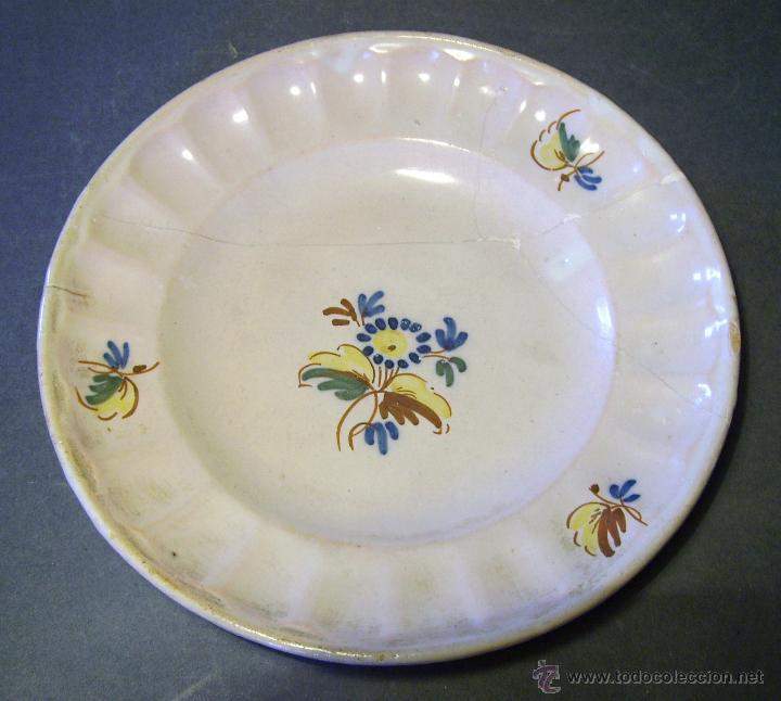 PLATO CERÁMICA DE ALCORA XVIII (Antigüedades - Porcelanas y Cerámicas - Alcora)