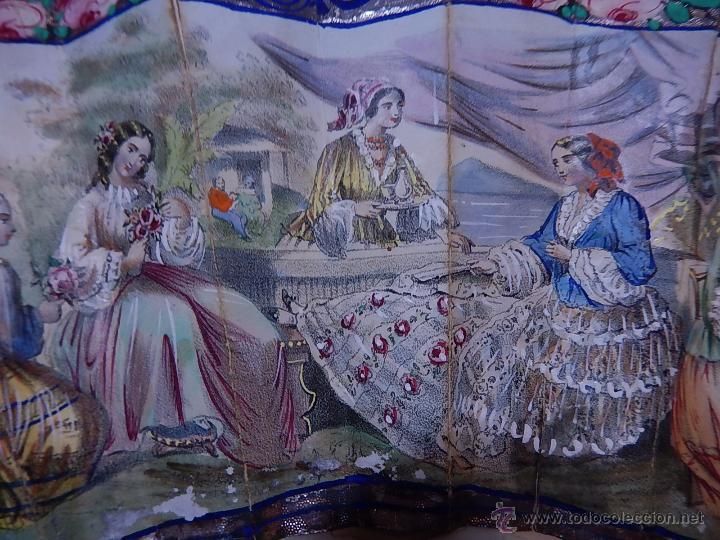 Antigüedades: Abanico de hueso, con grabados y dibujos coloreados. Finales del siglo XIX, principios del XX. - Foto 5 - 51134615