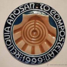 Antigüedades: COLGANTE DEL AÑO SANTO COMPOSTELANO DE 1999. CERAMICA SARGADELOS.. Lote 51145717