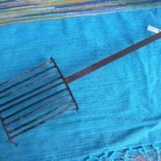 Antigüedades: ANTIGUA PARRILLA DE FORJA.. Lote 51166579