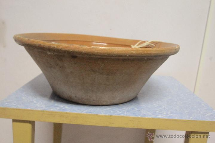 Antigüedades: ANTIGUO LEBRILLO DE BARRO, INTERIOR VIDRIADO, ARTESANAL. 45CM DIAMETRO - Foto 2 - 51178105