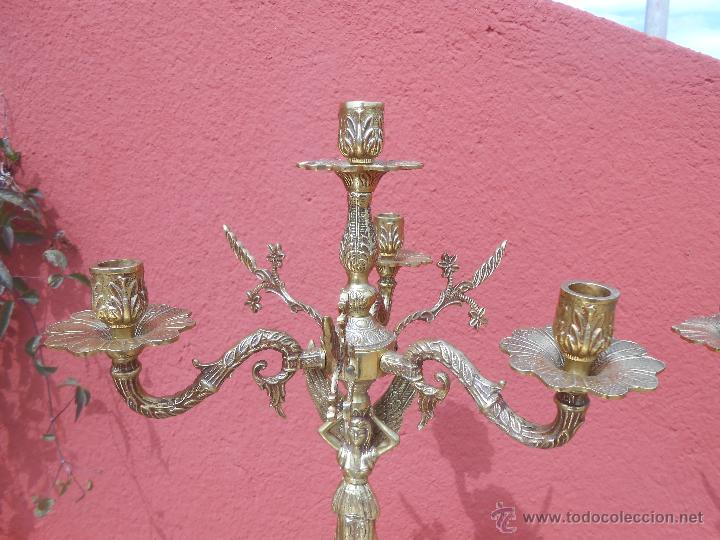 Antigüedades: PAREJA DE ANTIGUOS CANDELABROS DE BRONCE, CUATRO VELAS, BASE DE MÁRMOL - Foto 5 - 253146390