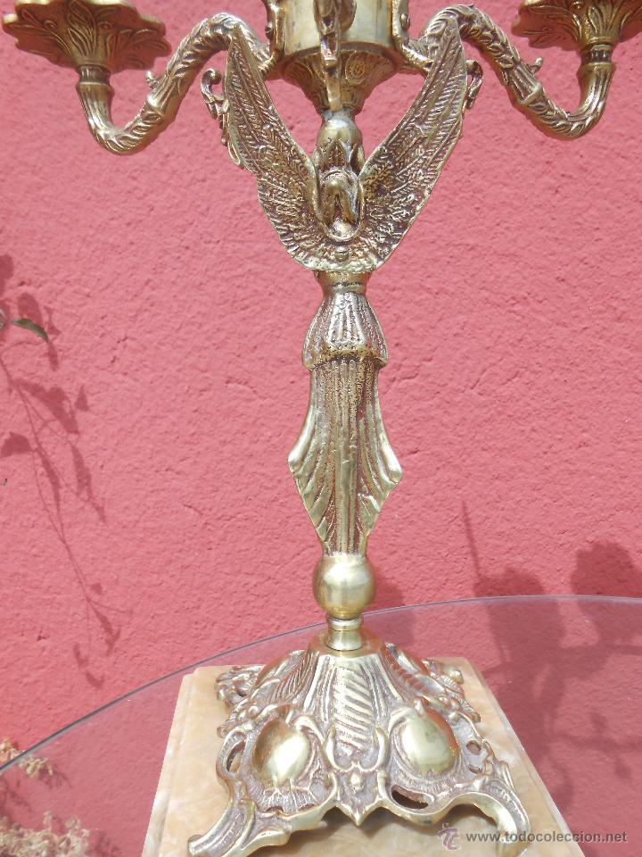 Antigüedades: PAREJA DE ANTIGUOS CANDELABROS DE BRONCE, CUATRO VELAS, BASE DE MÁRMOL - Foto 11 - 253146390