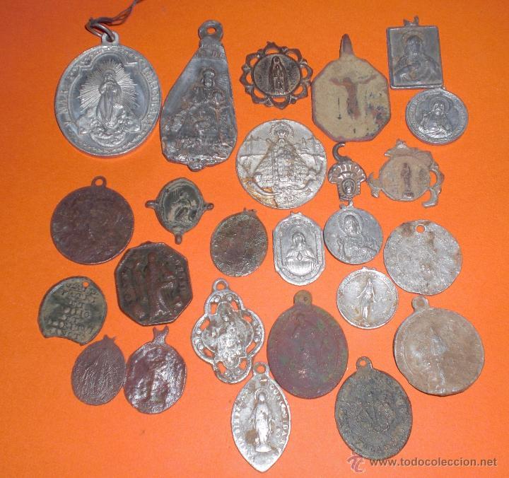 LOTE 25 ANTIGUAS MEDALLAS (Antigüedades - Religiosas - Medallas Antiguas)