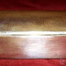 Antigüedades: ANTIGUA CAJA REALIZADA EN PLATA DE LEY. CIRCA 1950. Lote 51252347