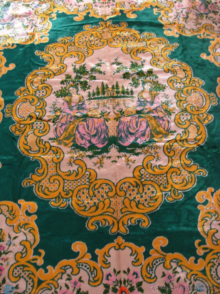 Antigüedades: Muy decorativo tapiz aterciopelado de grandes dimensiones 2,09x1,80cm - Foto 2 - 51252789