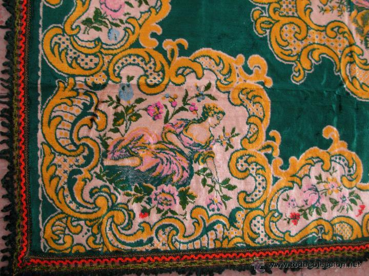 Antigüedades: Muy decorativo tapiz aterciopelado de grandes dimensiones 2,09x1,80cm - Foto 4 - 51252789
