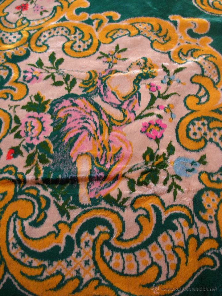 Antigüedades: Muy decorativo tapiz aterciopelado de grandes dimensiones 2,09x1,80cm - Foto 9 - 51252789
