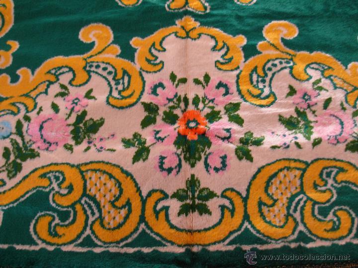 Antigüedades: Muy decorativo tapiz aterciopelado de grandes dimensiones 2,09x1,80cm - Foto 10 - 51252789