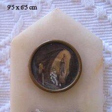 Antigüedades: BENDITERA ANTIGUA LOURDES MARMOL CRISTAL Y METAL. Lote 51254265