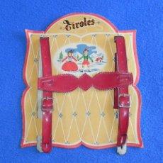Antigüedades: ANTIGUOS TIRANTES DE TIROLÉS INFANTIL DE CUERO EN BLISTER SIN ESTRENAR. Lote 51275330