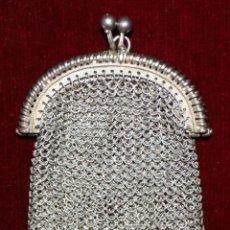 Antigüedades: MONEDERO DE MALLA DE ÉPOCA MODERNISTA EN PLATA DE LEY. Lote 51301284