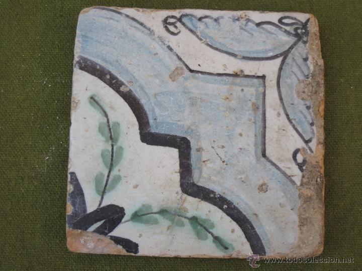 AZULEJO ANTIGUO DE VALENCIA / MANISES / ALCORA - TECNICA LISA - RENACIMIENTO - S/ XVII. (Antigüedades - Porcelanas y Cerámicas - Alcora)